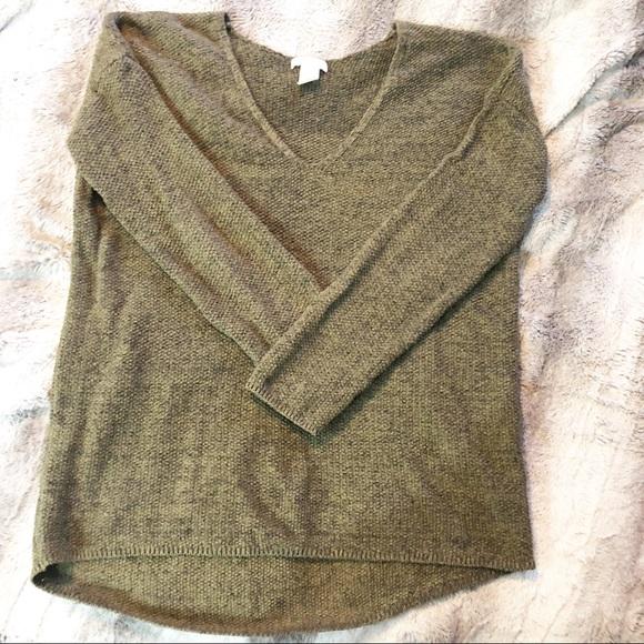 H M Army green oversized sweater. H M. M 5c52e2c44ab63362e8b557cf.  M 5c52e2c6194dadfbf86fdb0f. M 5c52e2c7951996add6f5b6cc.  M 5c52e2c934a4ef25b60bd0ea 5511a6c25